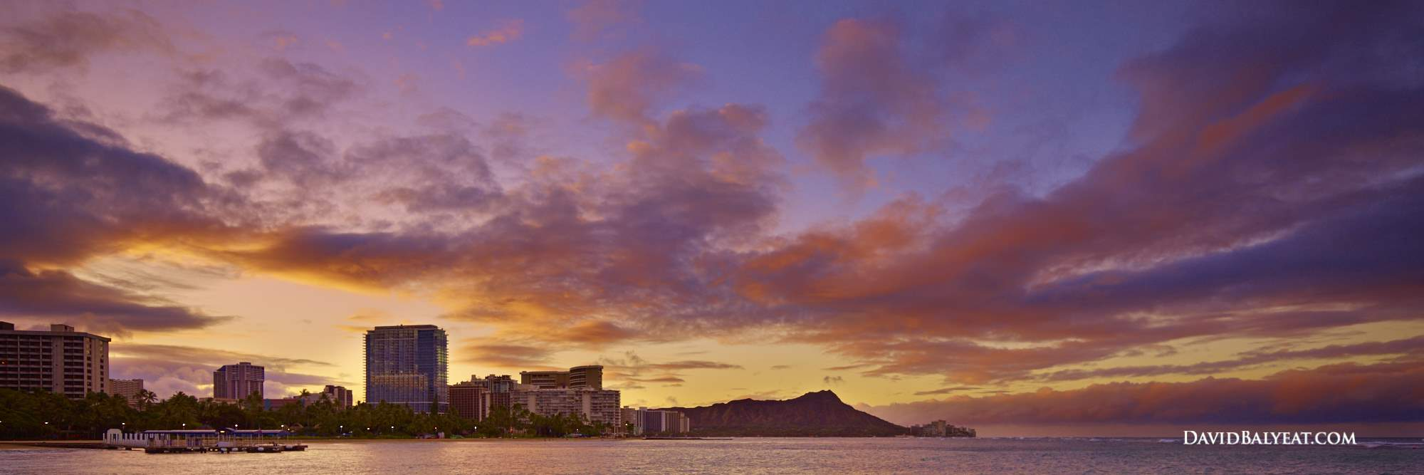 Waikiki Beach sunrise panoramic high-definition HD professional photography